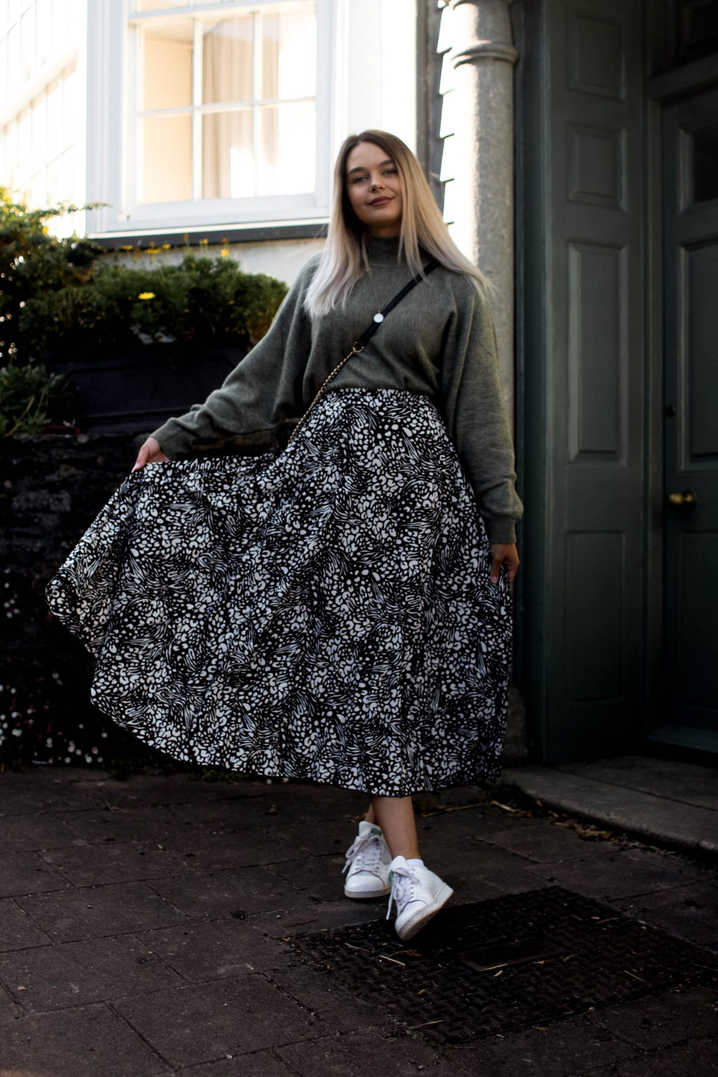 How To Style A Midi Skirt In Autumn