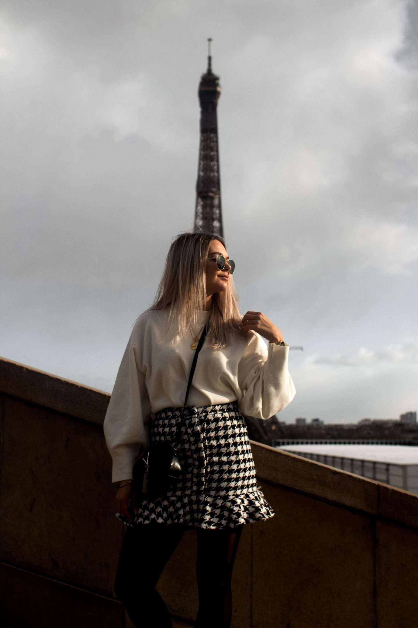 Here is the beginners guide to Paris for those who like me do not speak any word of French or have been to the city before.