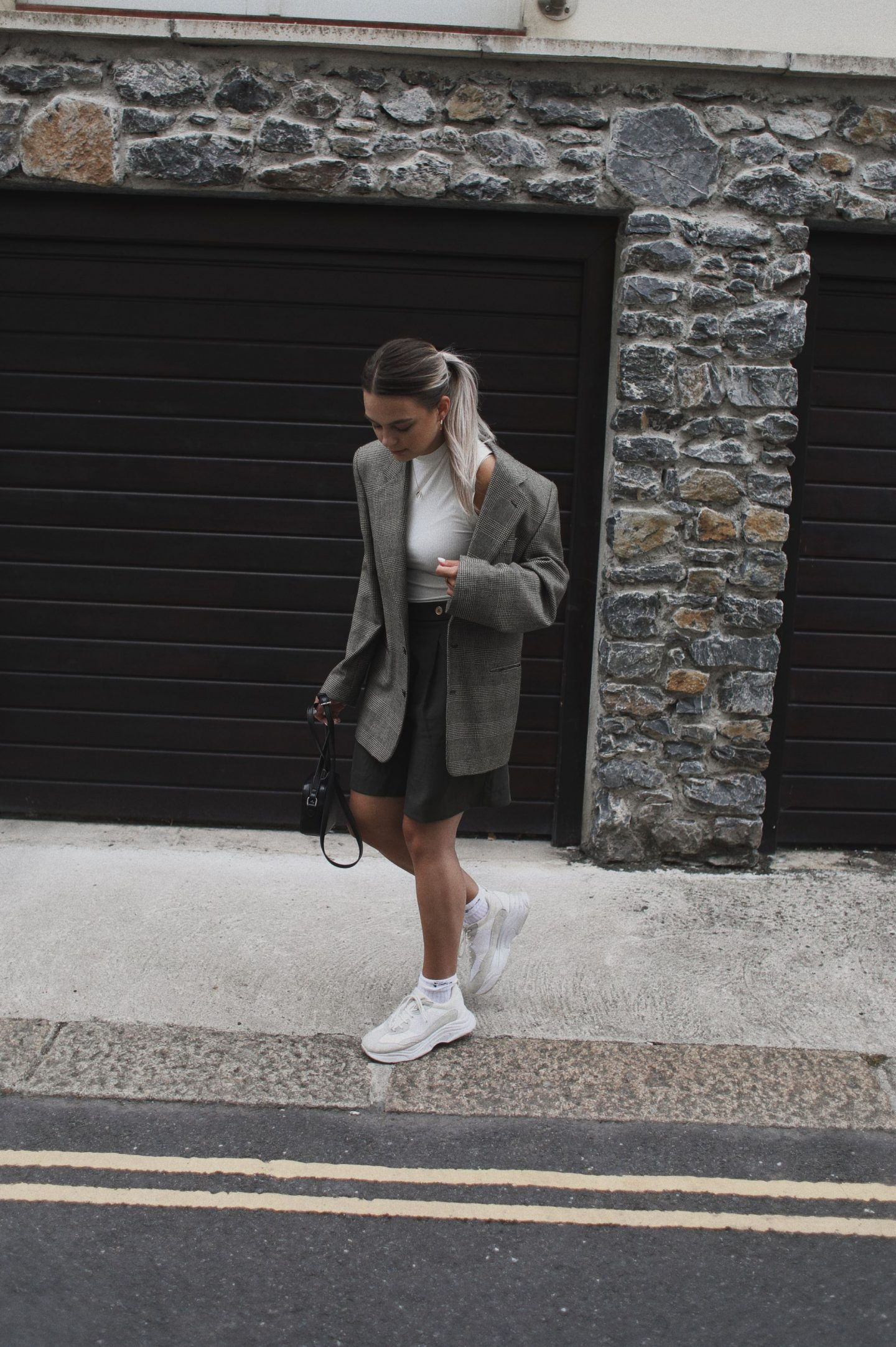 The 90s called… the said its time to rock the oversized blazer and shorts look…